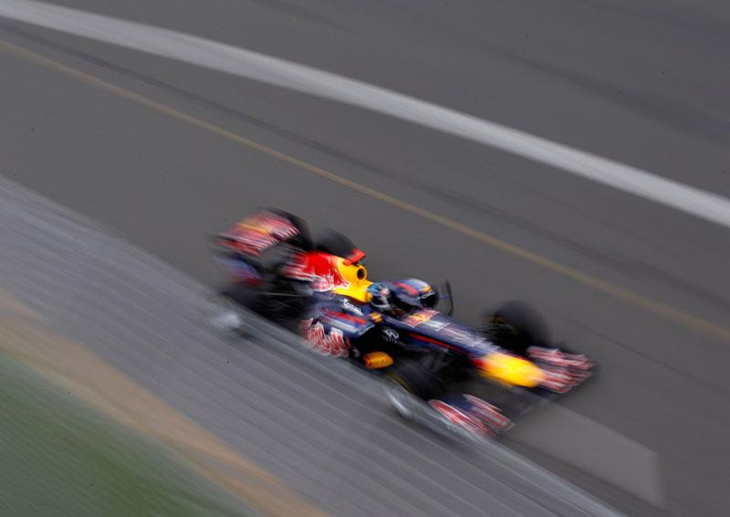 Vettel fica a menos de seis décimos do recorde de Melbourne