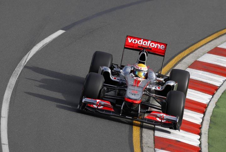Hamilton mostra força dos motores Mercedes em Melbourne