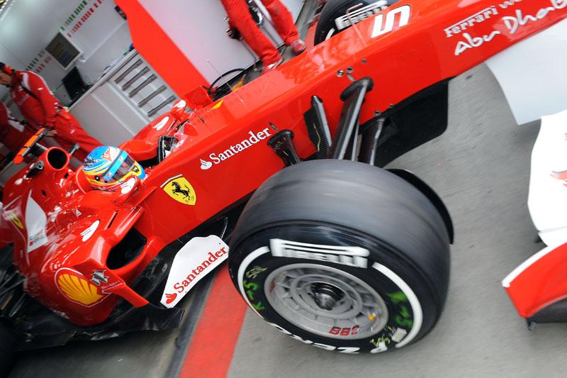 Alonso se manteve entre os primeiros durante ambas as sessões de sexta-feira