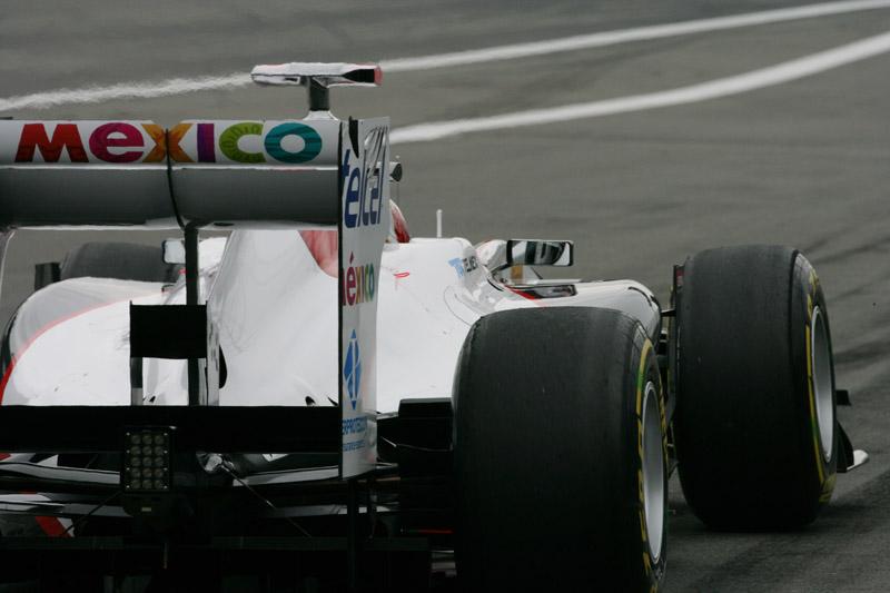 Kobayashi saiu de 17º para chegar nos pontos na Alemanha