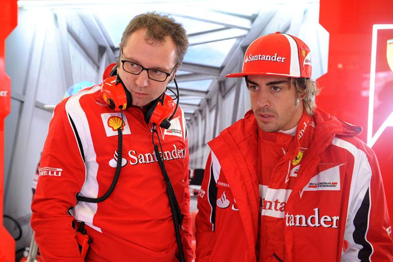 Domenicali e Alonso durante o GP da Alemanha