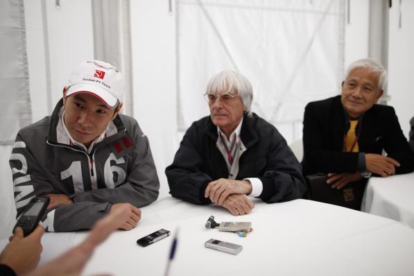 Kobayashi e Bernie Ecclestone