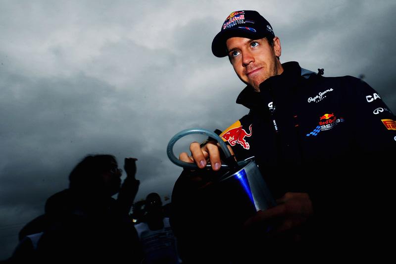Vettel caminha a passos largos para o bicampeonato