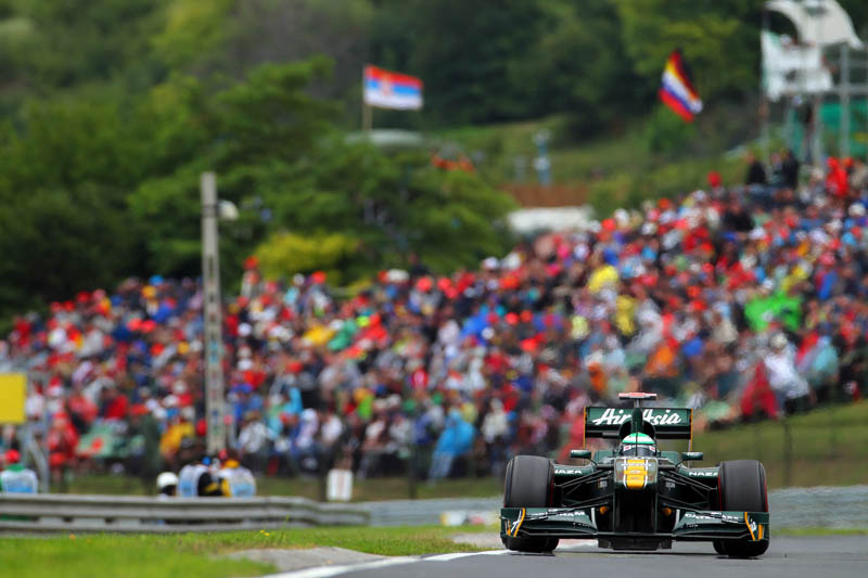 Kovalainen faz a dança da chuva para o GP da Bélgica