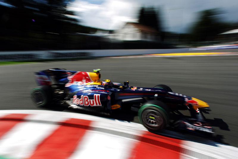 Webber perdeu posições na largada em 2010, mas se recuperou para chegar em segundo