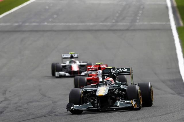 Jarno Trulli lidera disputa em Spa