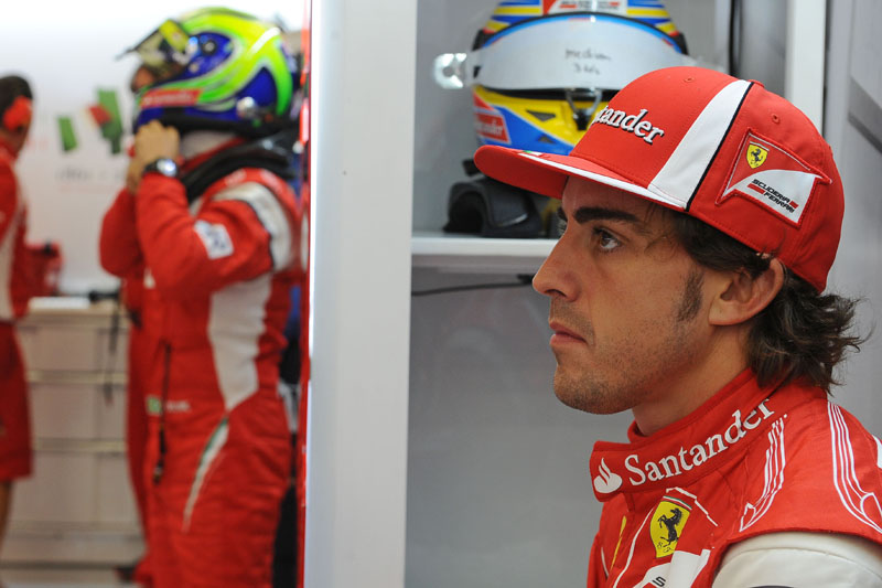 Alonso leva vantagem de 25 a 6 em classificações em relação a Massa