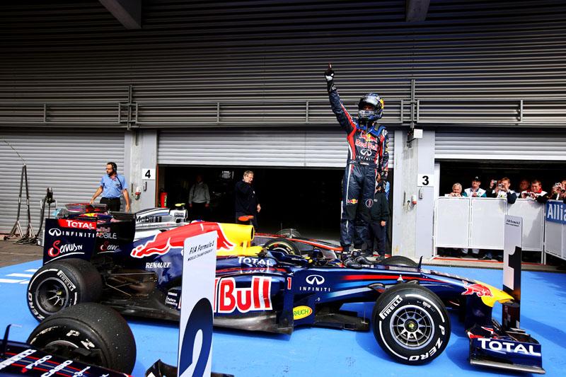 Vettel comemora sua sétima vitória do ano