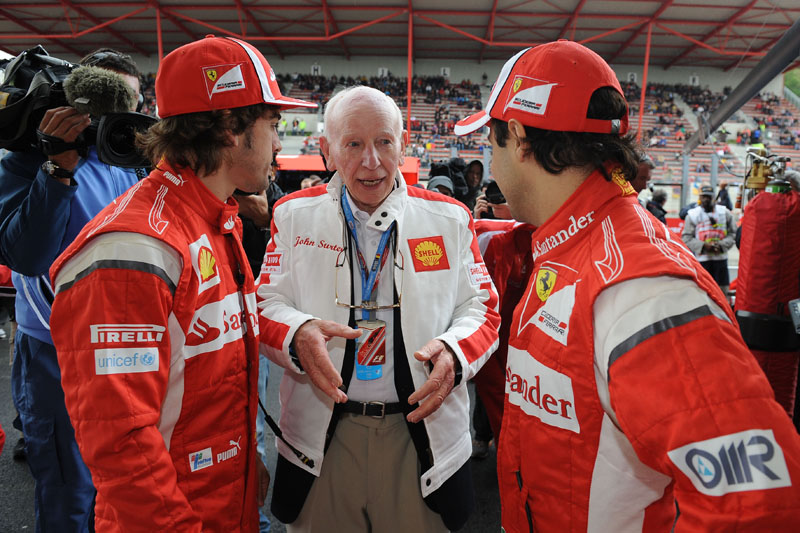 Surtees conversa com Alonso e Massa antes do GP da Bélgica