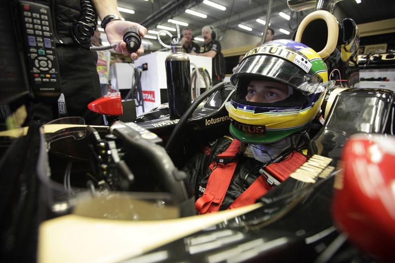 Bruno Senna foi 13º em sua primeira corrida na Renault