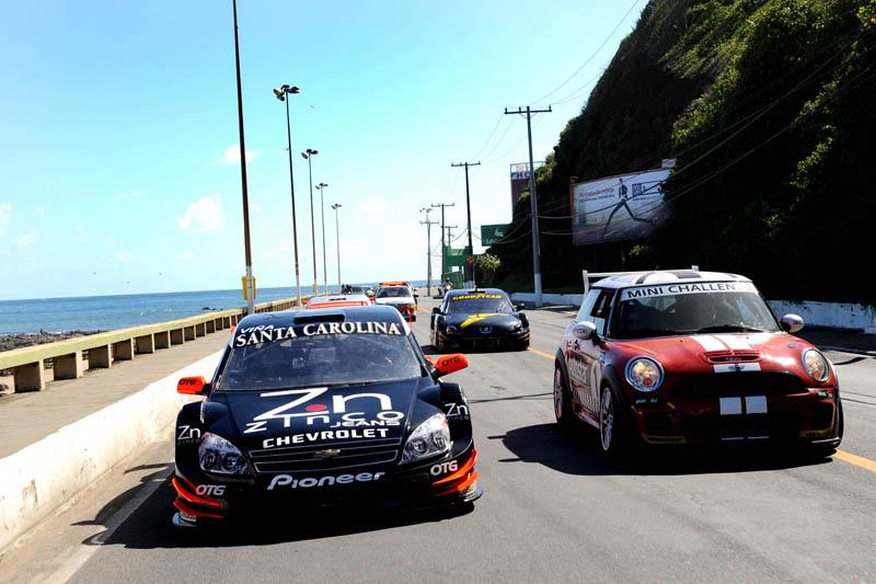 Os carros da StockCar já estão em Salvador