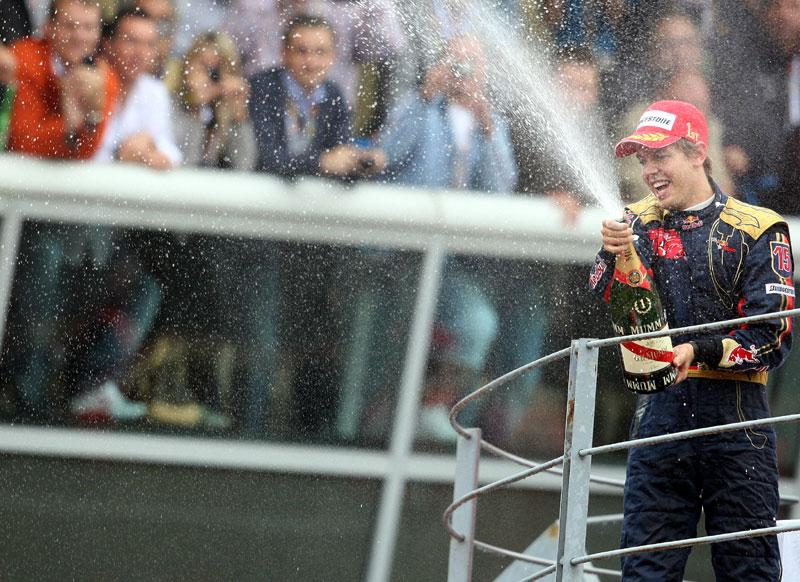Sebastian Vettel celebrando vitória em Monza no ano de 2008