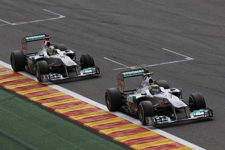 Rosberg em Spa: piloto chegou a liderar no começo da prova