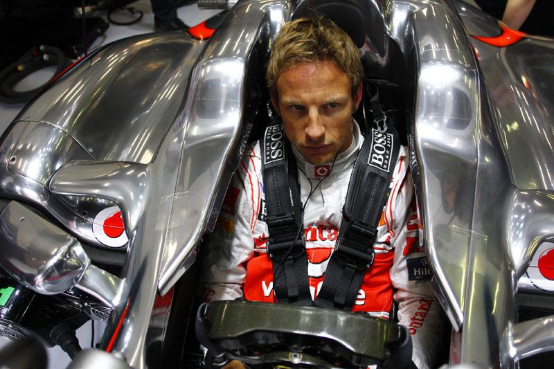 Jenson Button: de olho na pressão da Mercedes