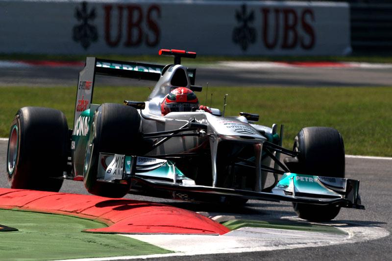 Schumacher larga em oitavo na Itália