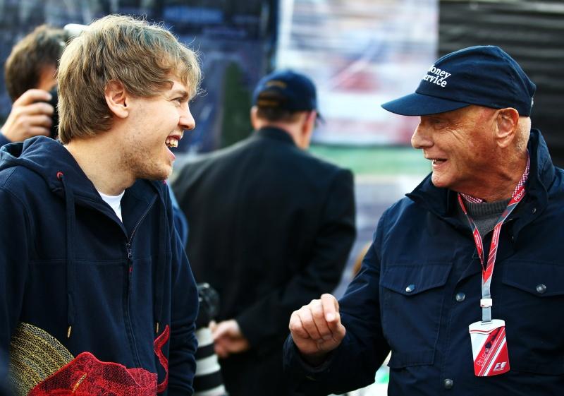 Sebastian Vettel e Niki Lauda em momento descontraído no último final de semana