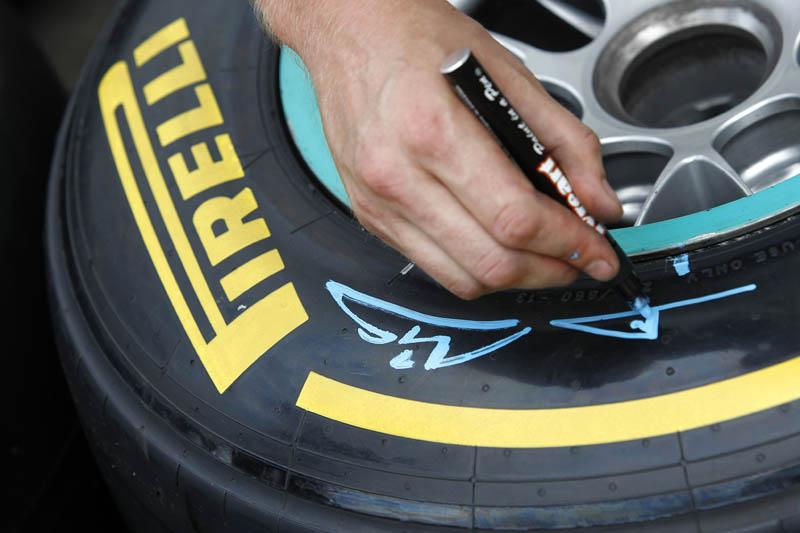 Marcação dos pneus de Schumacher em Monza
