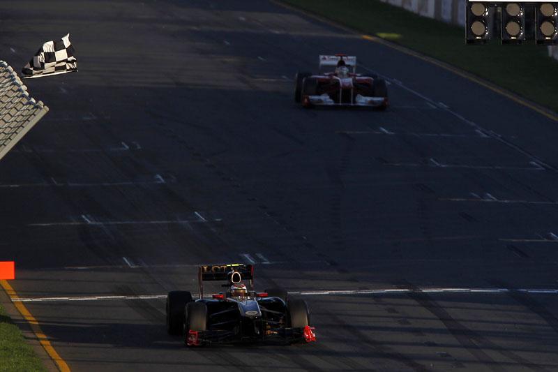 Alonso não gostou de ficar na sombra de Petrov pela segunda prova consecutiva