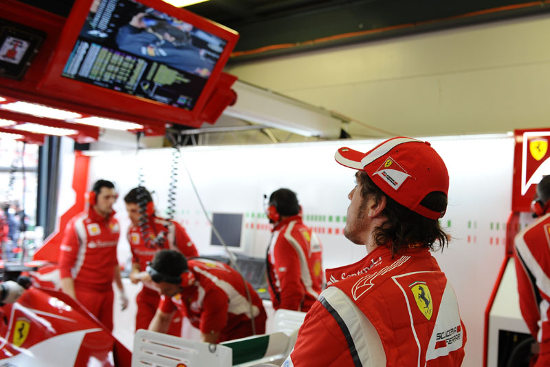 Alonso: de olho na posição da Red Bull na tabela de tempos