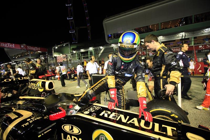 Senna se prepara para o GP de Cingapura