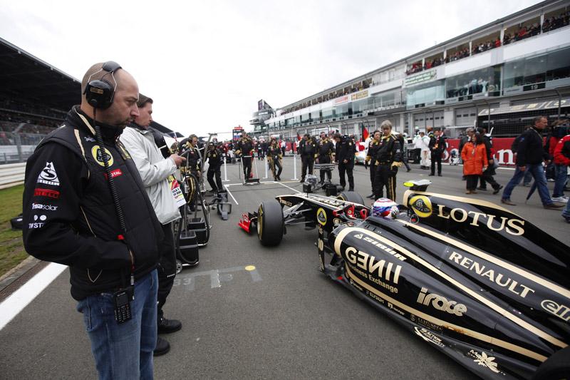 Gerard Lopez acompanha Renault no grid