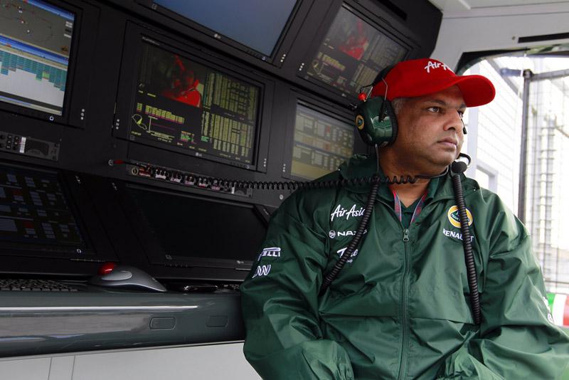 Tony Fernandes atua na Fórmula 1, no ramo aéreo, de telefonia e hoteleiro, entre outros