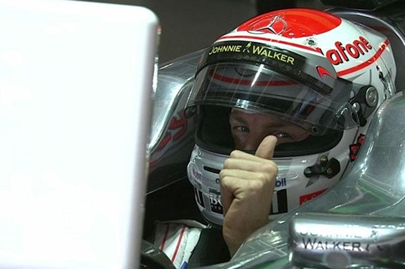 Button foi o melhor na primeira sessão de treinos para o GP do Japão