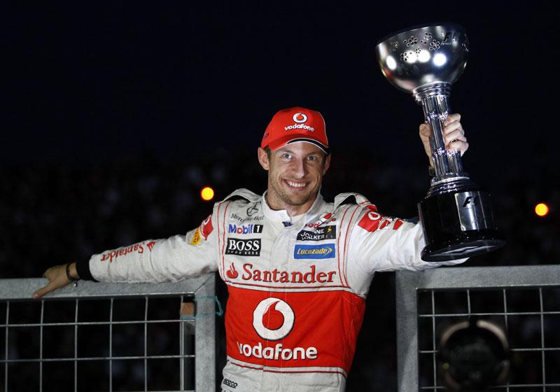 Jenson Button celebra vitória em Suzuka