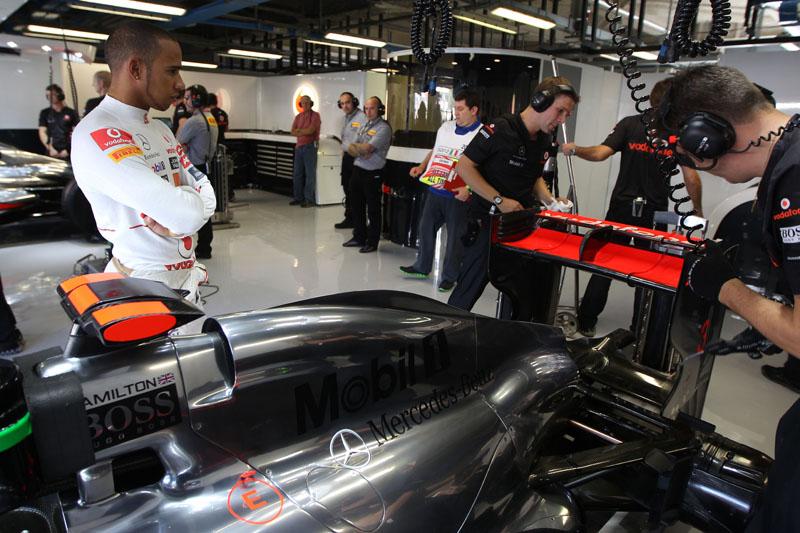 Hamilton afirmou que carro não o ajuda a se livrar das confusões