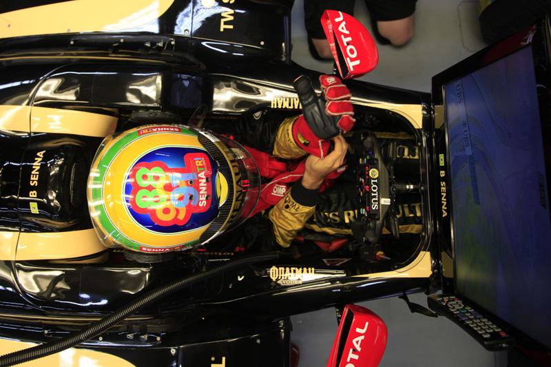 Bruno usa capacete comemorativo aos 20 anos do tricampeonato de Ayrton Senna