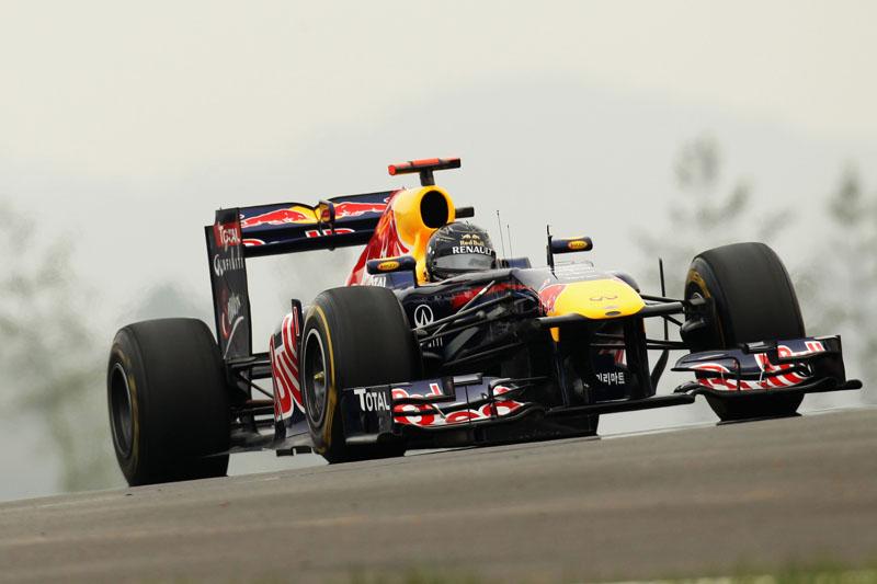 Vettel vai atrás da 11ª vitória