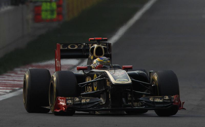Bruno Senna ficou entre os 10 na sexta-feira indiana