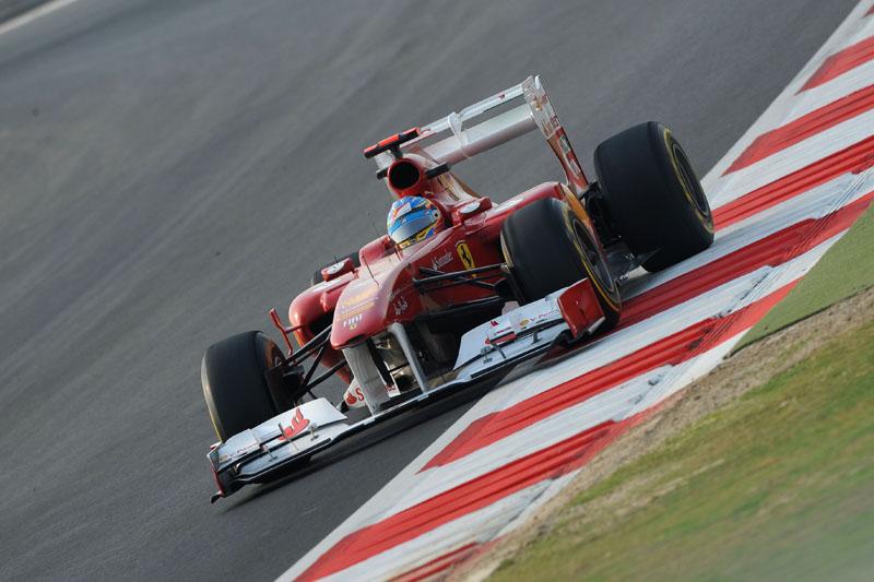 Alonso larga em terceiro na Índia