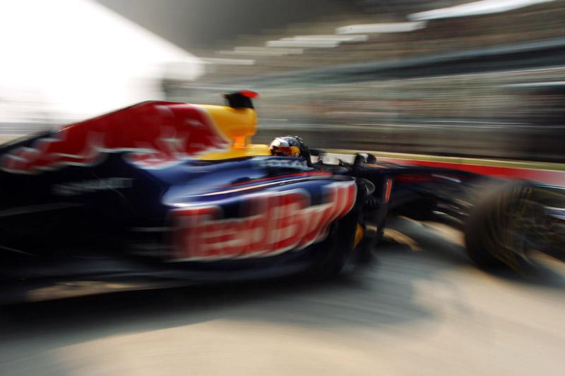 A Red Bull fez pole e vitória em Abu Dhabi em 2010 com Vettel