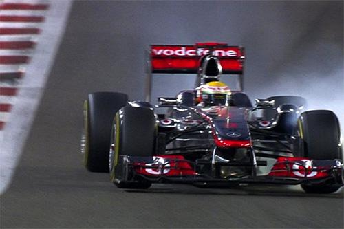 Hamilton trava tudo em Abu Dhabi