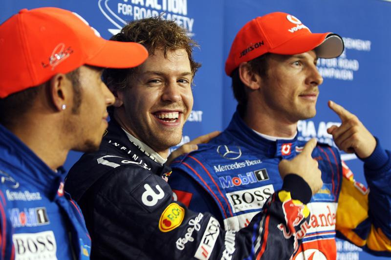 Vettel, entre Hamilton e Button em Abu Dhabi
