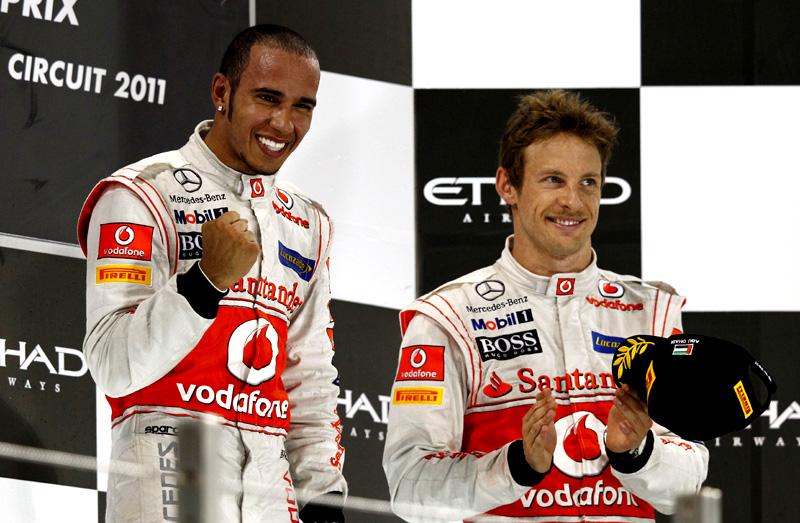 Hamilton e Button comemoram resultado em Abu Dhabi