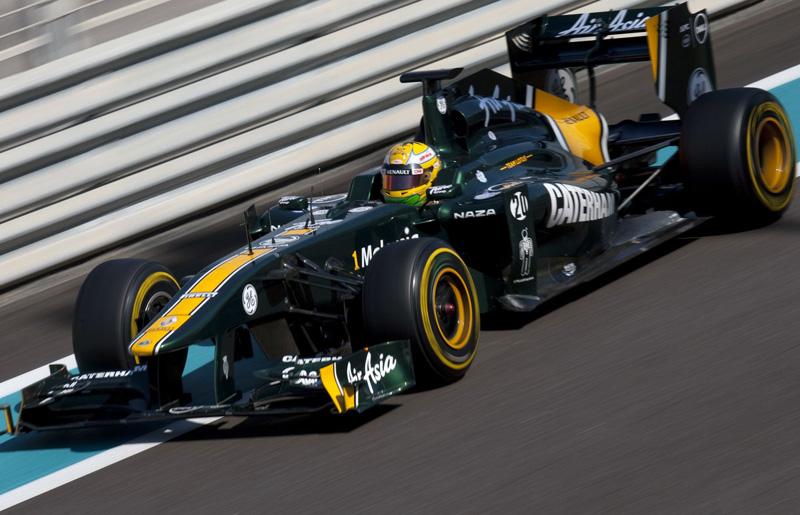 Luiz Razia com a Lotus em Abu Dhabi