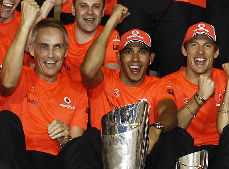 Whitmarsh, hamilton e Button celebram vitória e terceiro lugar de Abu Dhabi