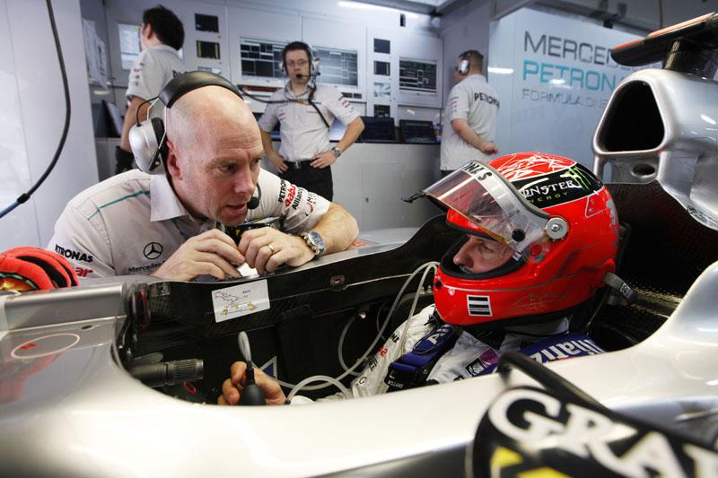 Schumacher é um dos pilotos que costuma ficar nos boxes no Q3