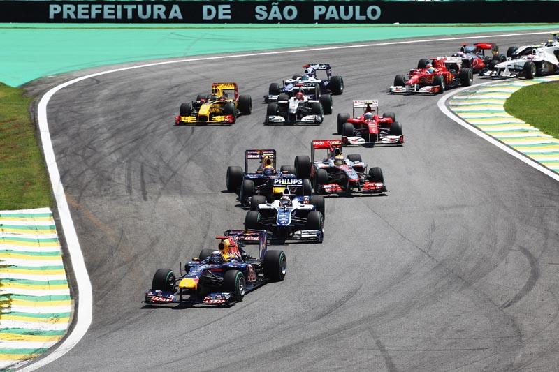 Pilotos elogiam a pista de Interlagos