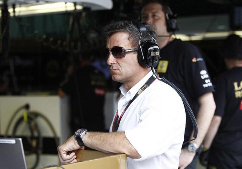 Jean Alesi no box da Renault