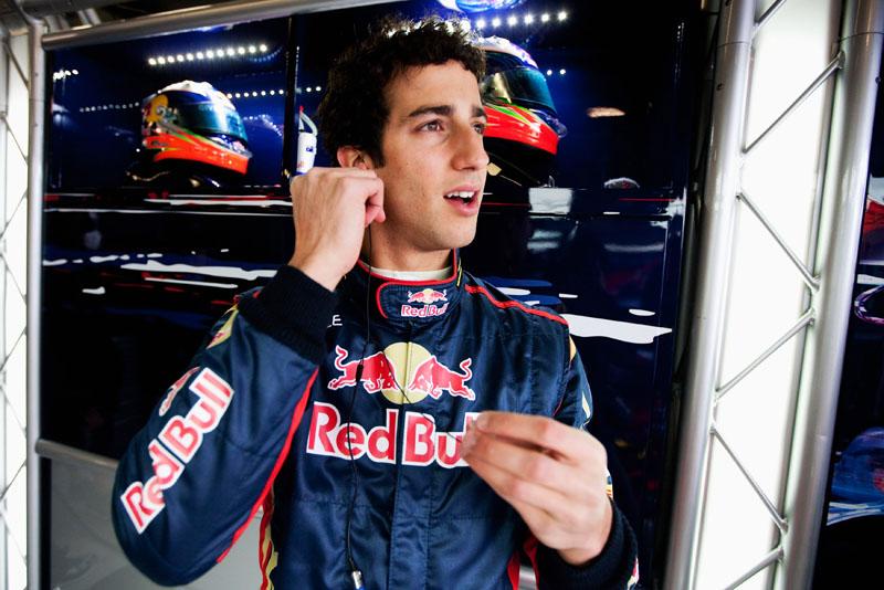 Ricciardo participou de treinos livres com a Toro Rosso antes de ir para a Hispania
