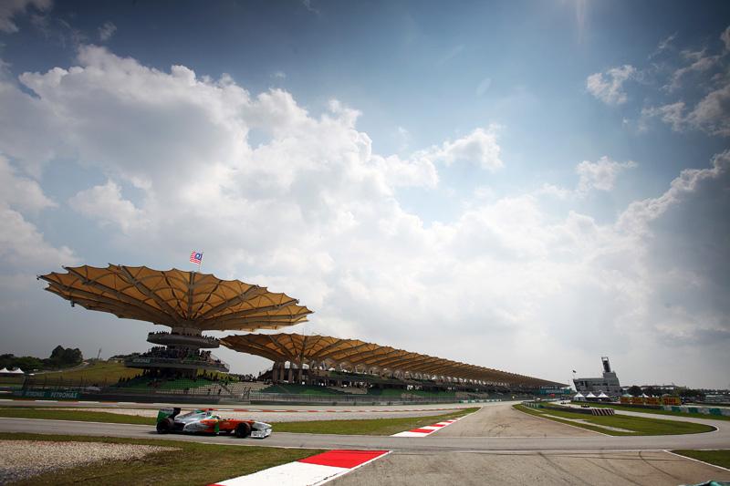 Pilotos da Force India tiveram dificuldades com o acerto do carro