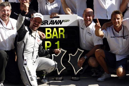 Barrichello é o recordista em número de GPs disputados, com 326