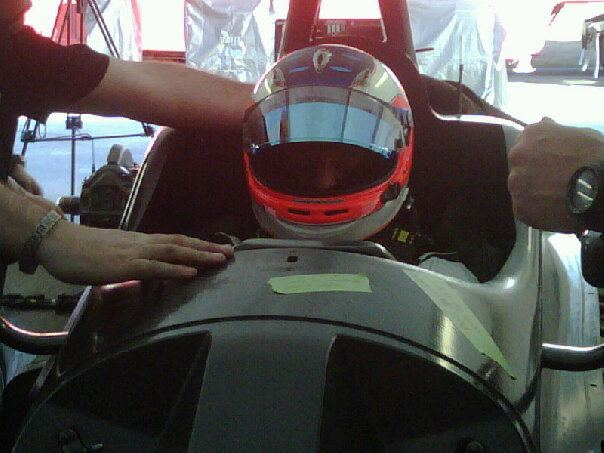 Barrichello, hoje, durante teste na F-Indy