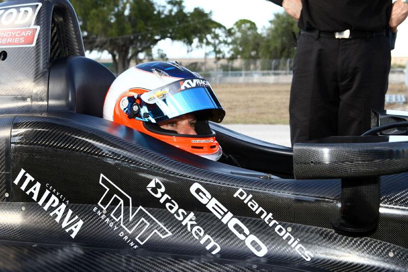 Barrichello conduz carro da KV em Sebring