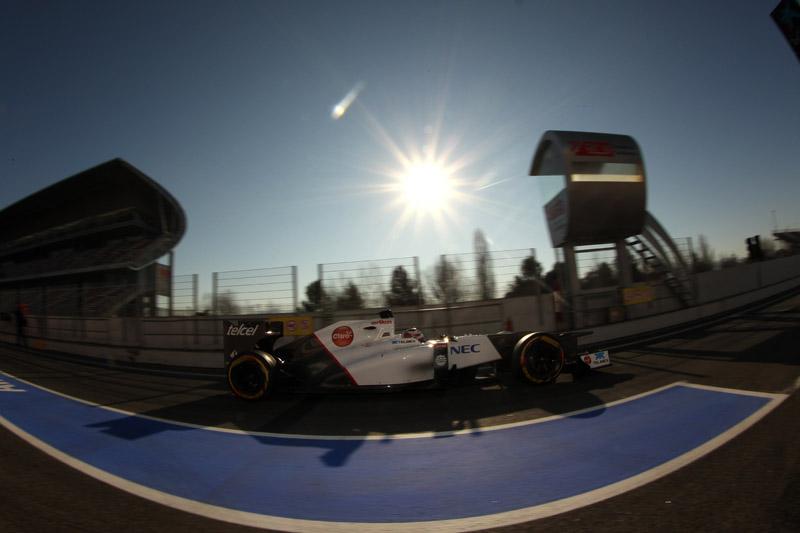 Kobayashi foi o mais rápido na manhã de sexta