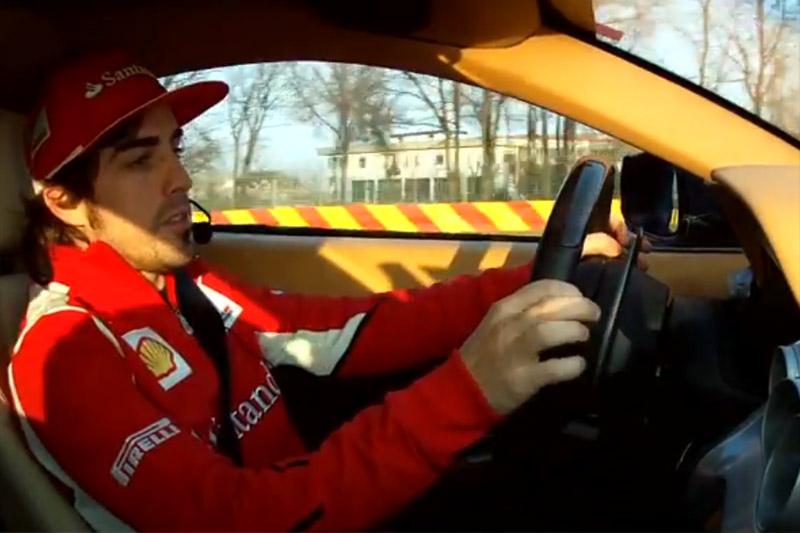 Alonso no volante da Ferrari