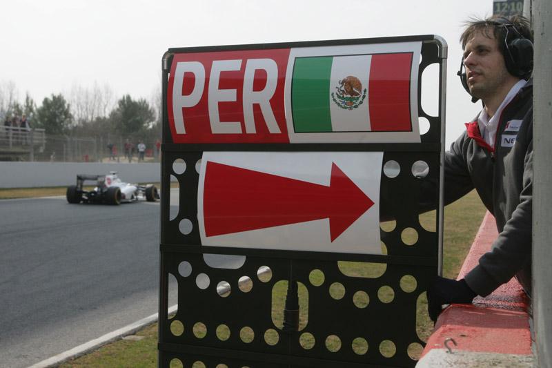 Perez foi o mais rápido da manhã de sábado
